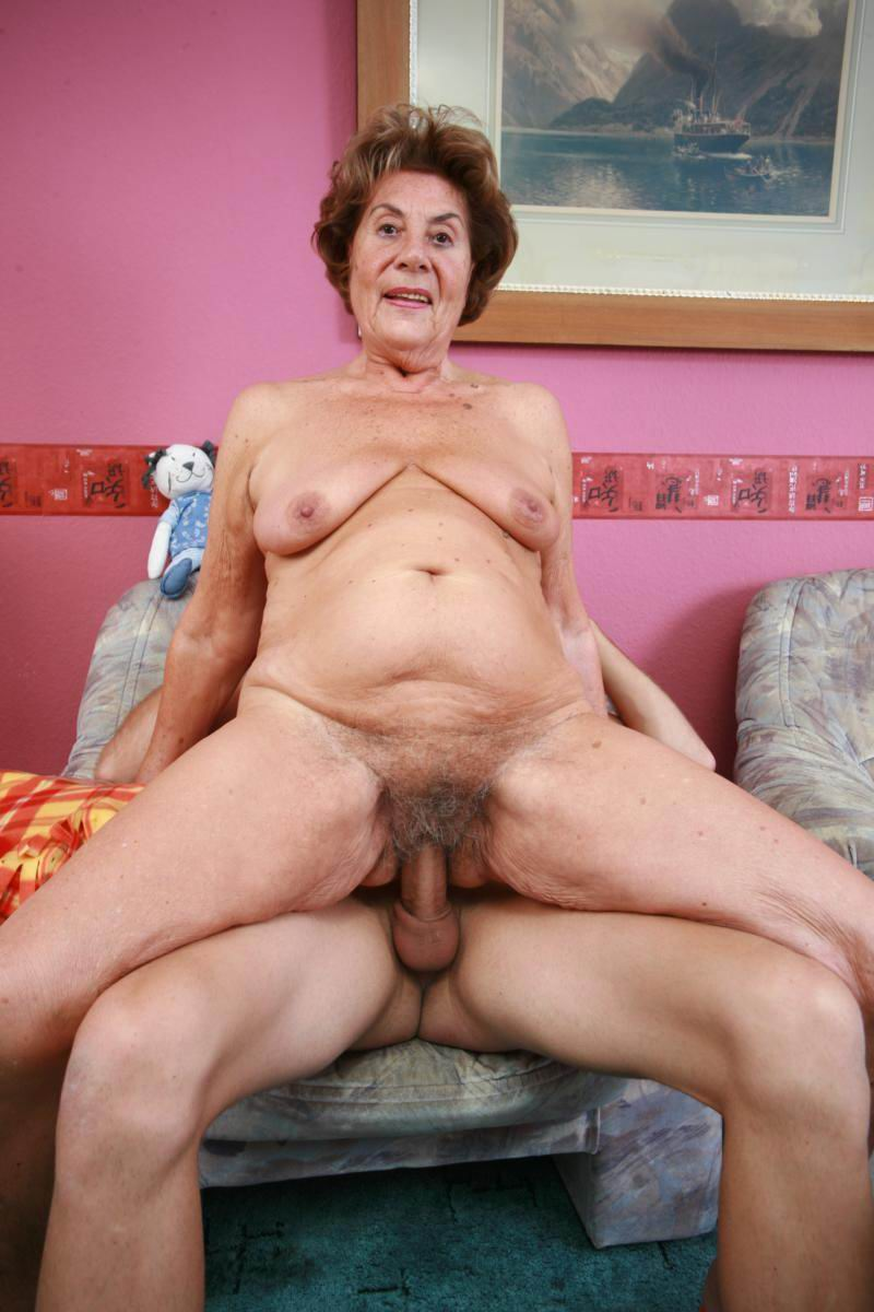 freegrannyporn -source of free hot grandma sex movies and gilf